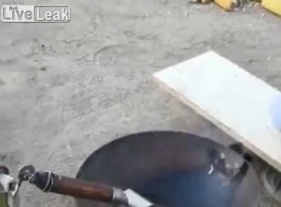 Robot nấu nướng phiên bản lỗi
