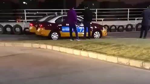 Video 'tự tát tới ngã vì thi trượt bằng lái' thu hút ba triệu lượt xem
