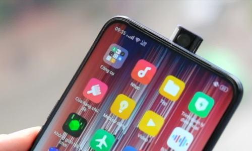 Oppo F11 Pro với camera selfie thò thụt