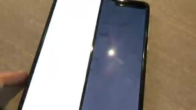 Một số Galaxy Fold gặp sự cố với màn hình gập đôi