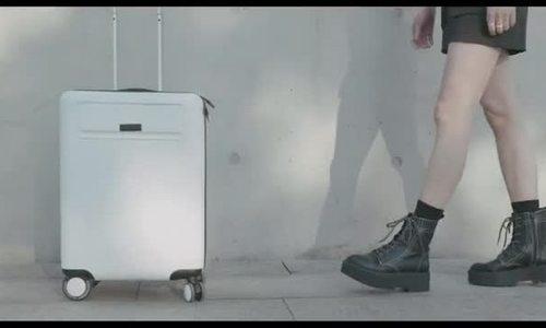 Xiaomi gọi vốn vali thông minh tự đi theo chủ nhân