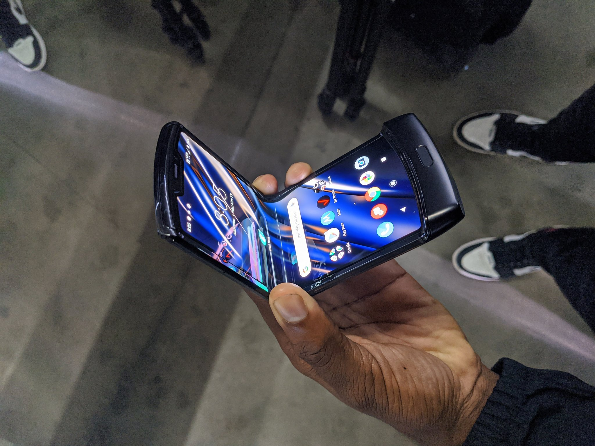 Video thực tế Motorola Razr 2019