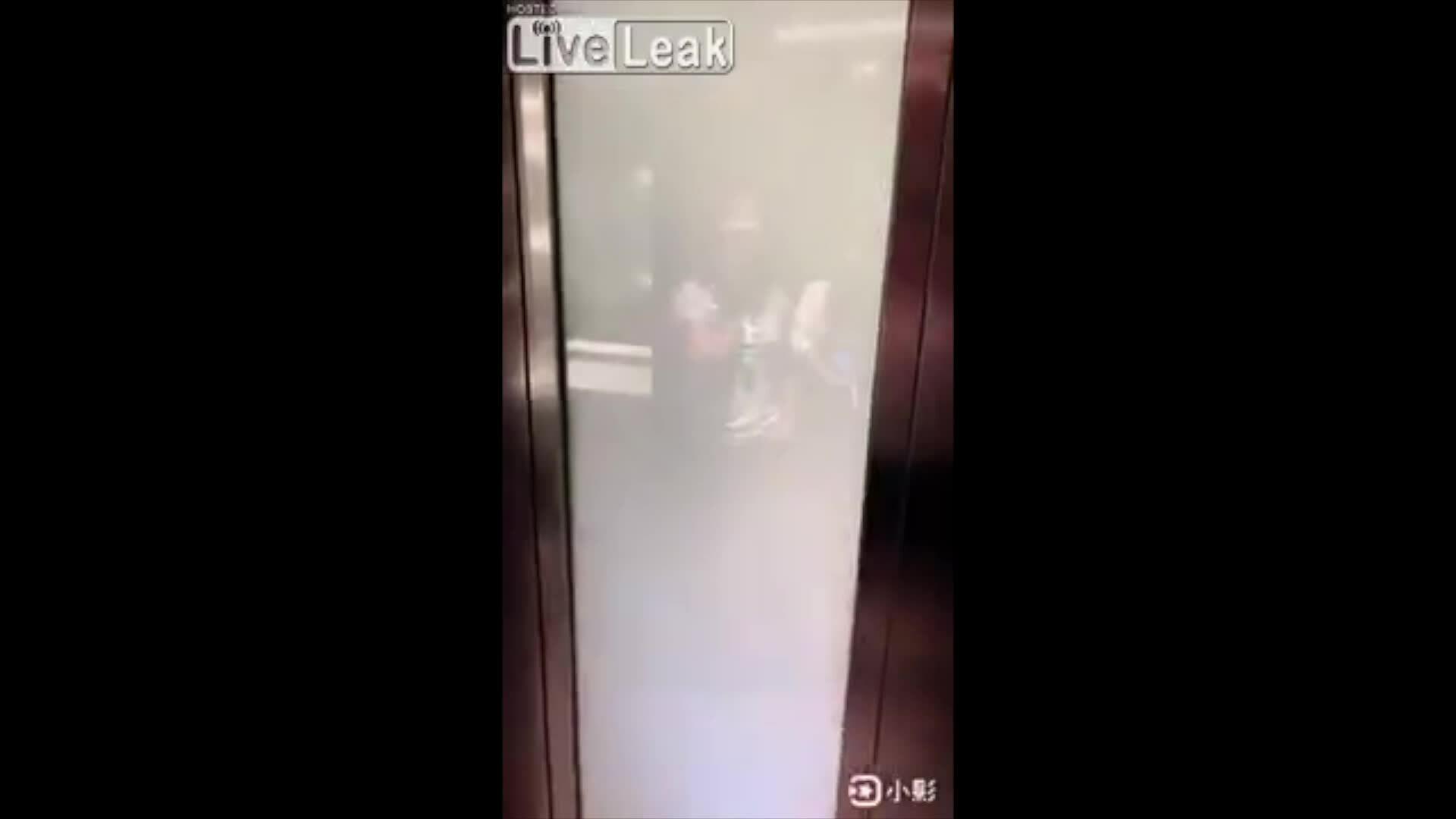 Nhà vệ sinh phong cách công nghệ ở Trung Quốc 6