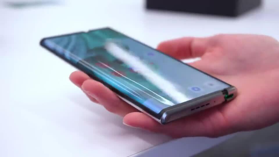 Smartphone cuộn của Oppo xuất hiện trong video thực tế