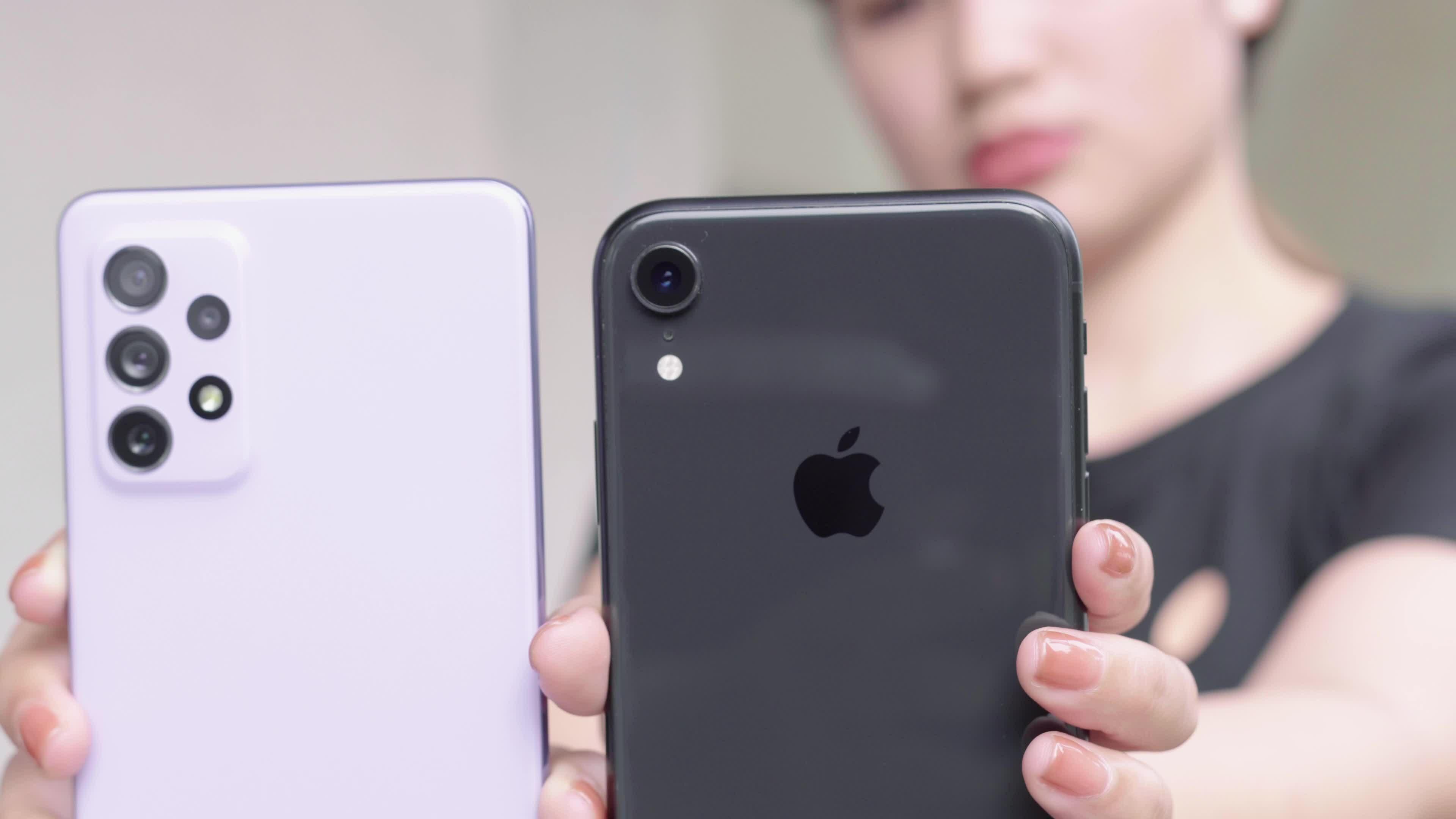 So sánh Samsung Galaxy A72 và iPhone XR