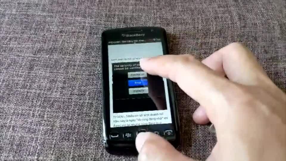 Người dùng gặp phiền phức khi dùng Internet bằng điện thoại cũ