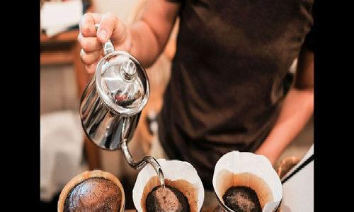 Uống cà phê lúc bụng rỗng gây hại thế nào
