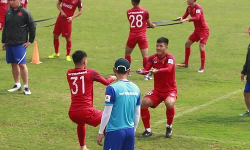 Cầu thủ U23 Việt Nam căng sức rèn thể lực