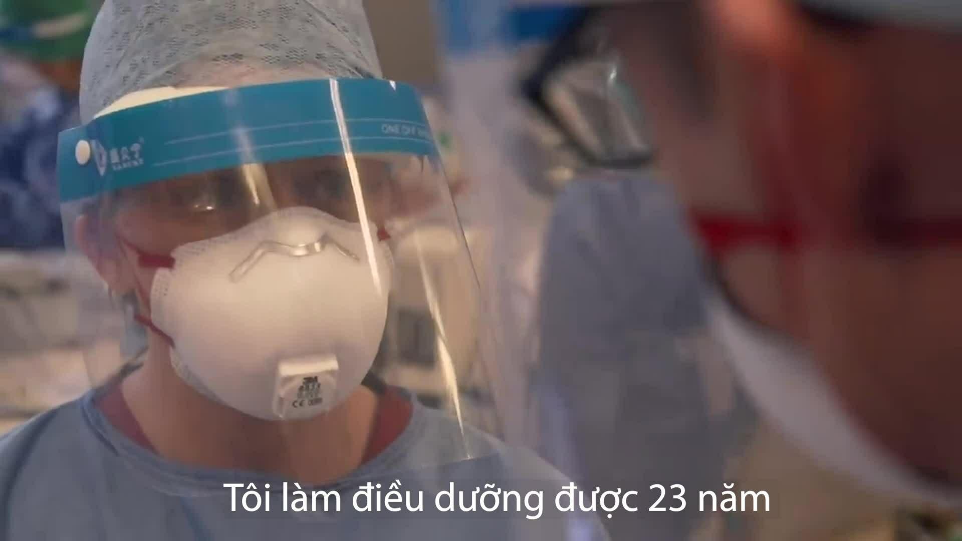 Bên trong phòng hồi sức tích cực tại bệnh viện Anh
