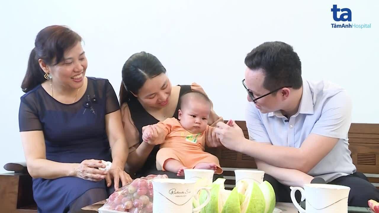 Mổ cấp cứu song thai bị hội chứng truyền máu hiếm gặp