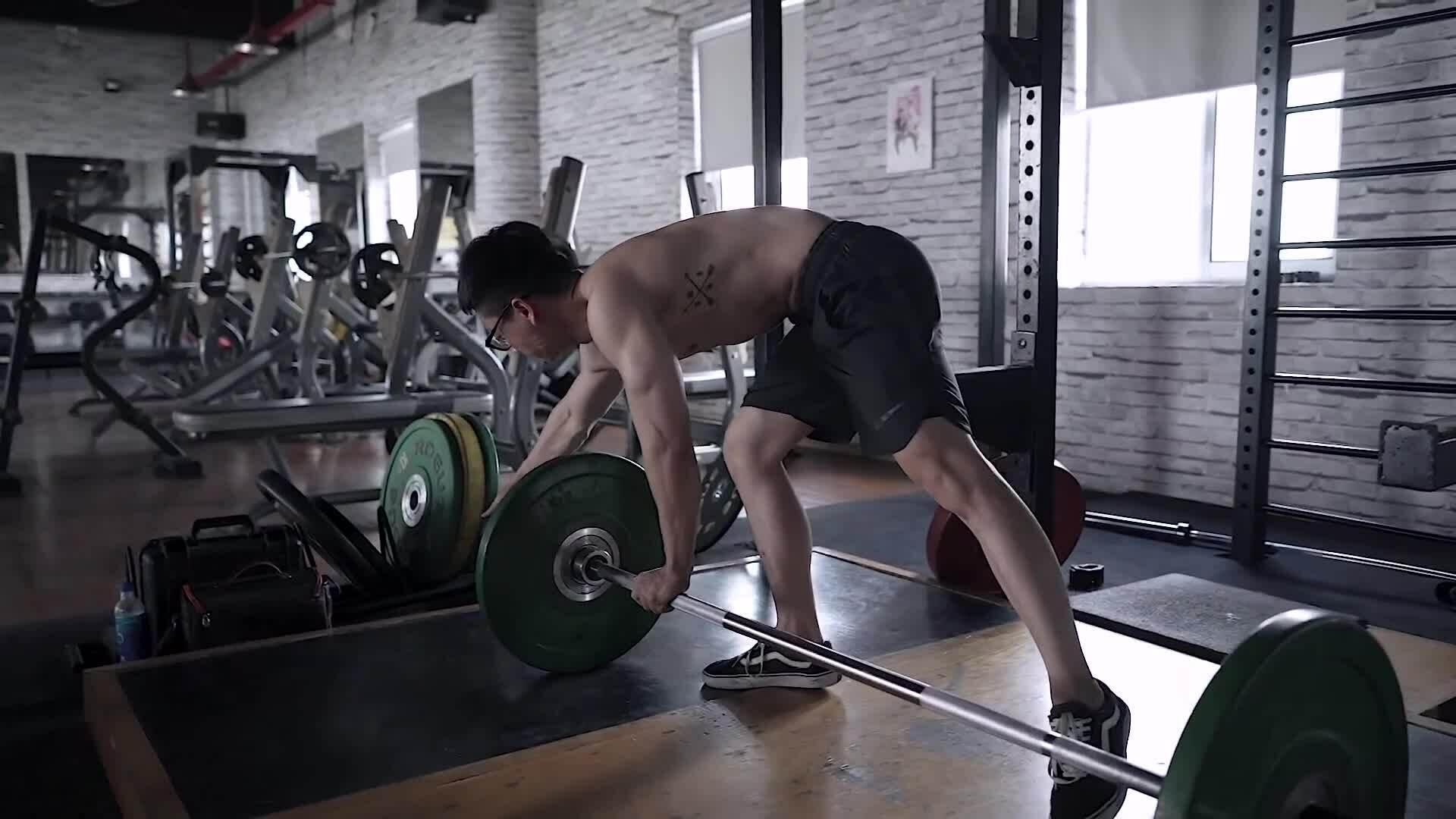 Bài tập cơ bắp toàn thân cho phái mạnh
