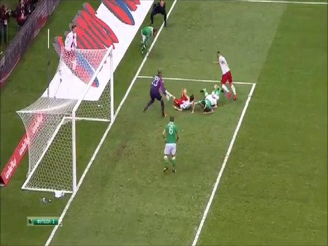 Ba Lan 2-1 Ireland