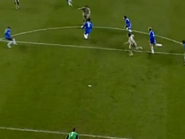 Pha ghi bàn điệu nghệ của Ronaldinho