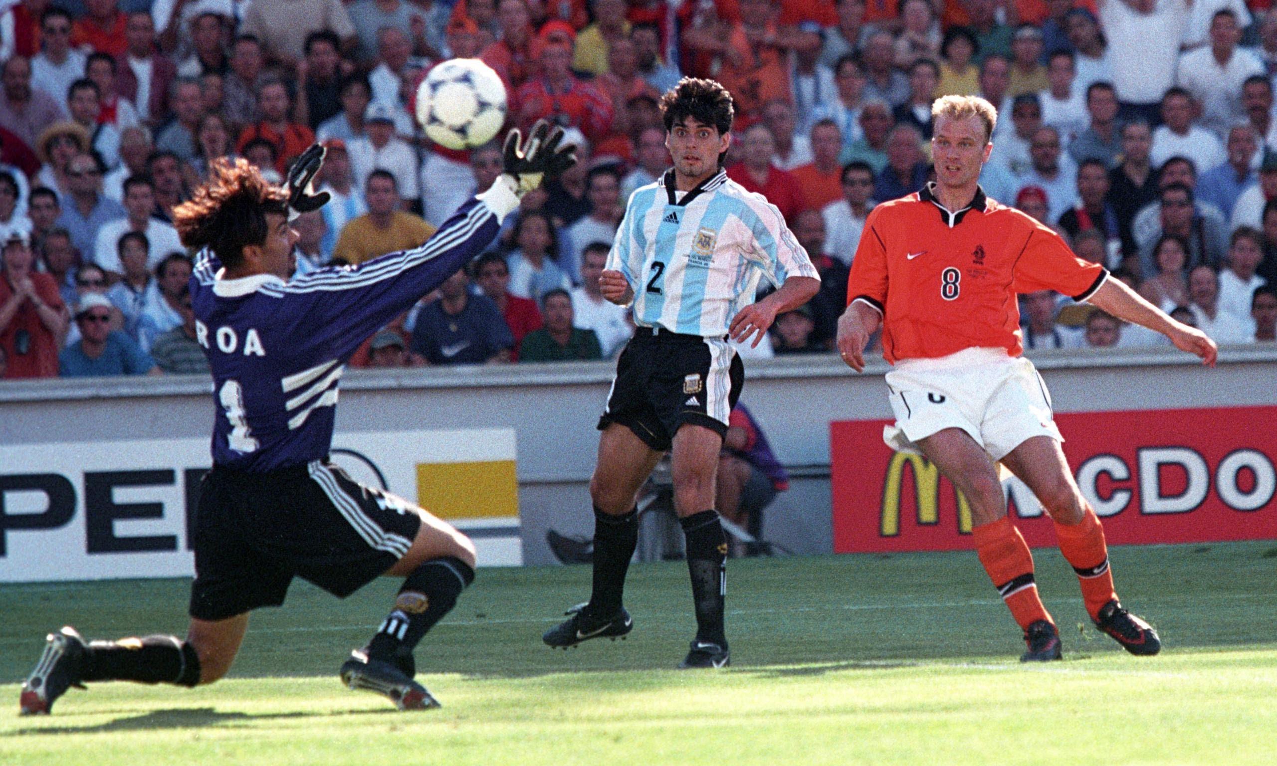Hà Lan 2-1 Argentina