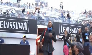 Serena Williams 2-0 Christina McHale