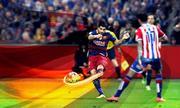 Những cú sút hình quả chuối của Barca