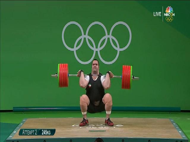 VĐV nặng nhất Olympic khóc nức nở vì để tuột mất huy chương