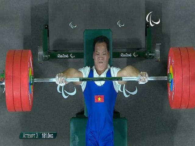 Đô cử Lê Văn Công đoạt HC vàng Paralympic hạng 49kg