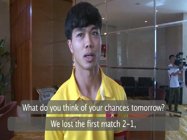 Công Phượng trả lời phỏng vấn trang AFF Cup