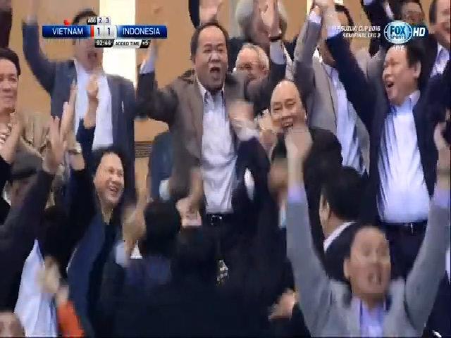 Việt Nam nâng tỷ số lên 2-1