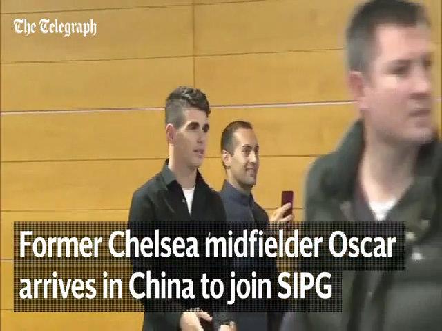 Osca được người hâm mộ chào đón tại Thượng Hải