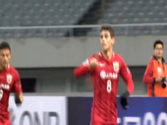Oscar ghi bàn trong trận ra mắt tại Trung Quốc