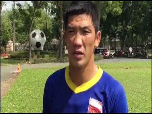 Thủ môn Minh Nhật xin lỗi người hâm mộ cả nước