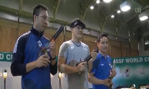 Hoàng Xuân Vinh giành HC bạc World Cup bắn súng