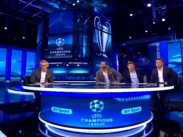Owen, Rio Ferdinand mừng chiến thắng của Barca