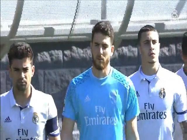Con trai Zidane đá hỏng penalty, bị đuổi khỏi sân