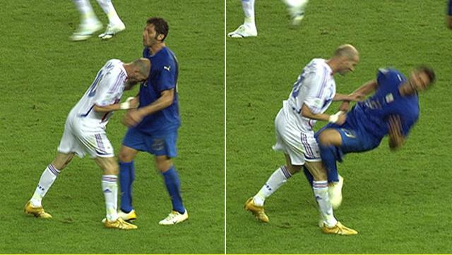 Zidane húc đầu Materazzi