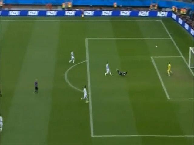 Chiến thắng 5-1 của Hà Lan trước Tây Ban Nha ở WC 2014