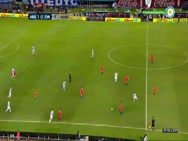 Messi đối mặt án treo giò vì 'lăng mạ trọng tài'
