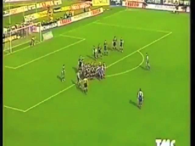 10 pha ghi bàn đẹp của Gabriel Batistuta