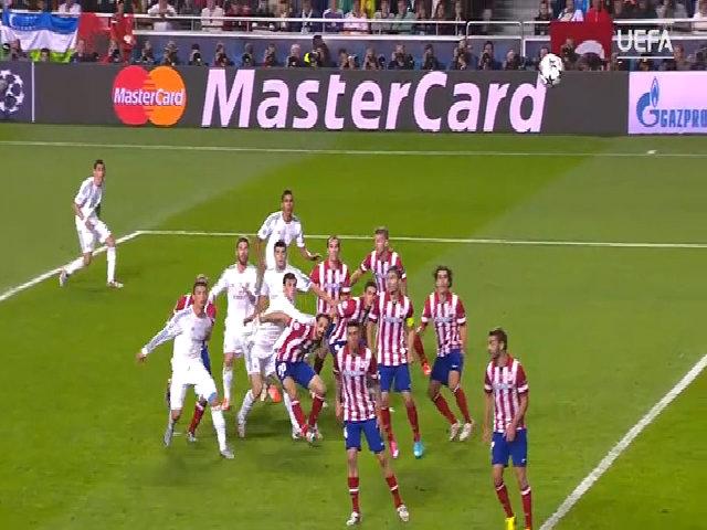 Ramos ghi bàn vào lưới Atletico