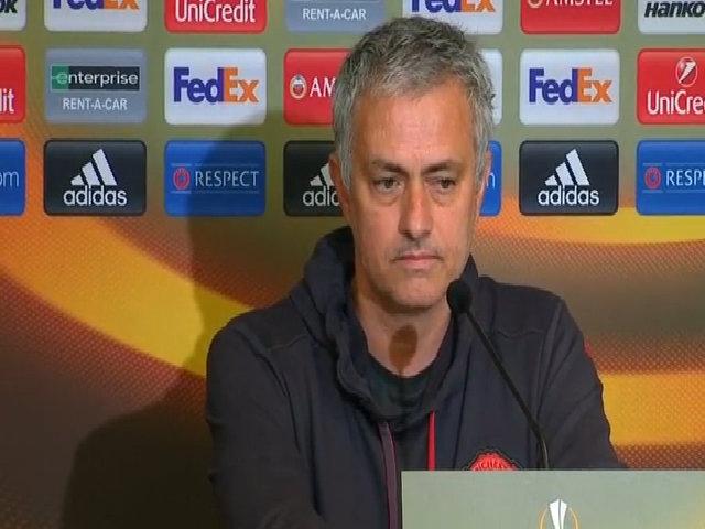 Mourinho thông báo Rooney nghỉ trận tứ kết lượt đi Europa League