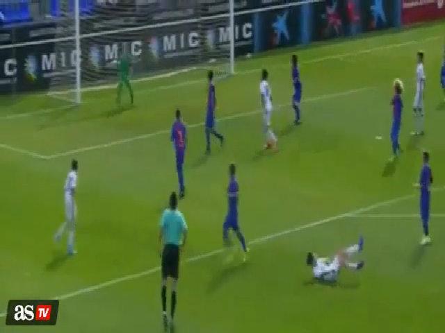 Elyaz Zidane lập siêu phẩm cầu vồng