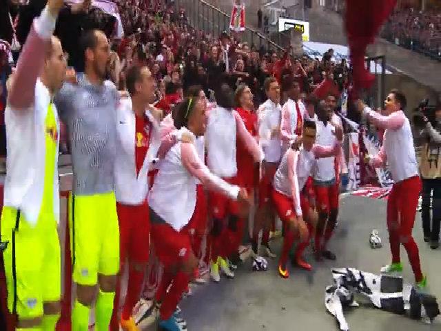RB Leipzig mừng đoạt vé dự Champions League trong mùa giải đầu tiên góp mặt ở Bundesliga