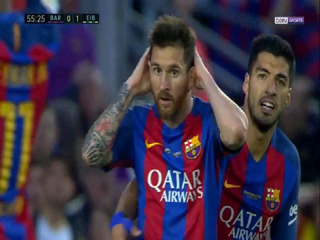 Messi bỏ lỡ cơ hội khó tin
