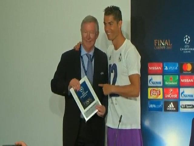 Ronaldo lên ngôi Vua phá lưới, ghi bàn thứ 600 ở đúng chung kết