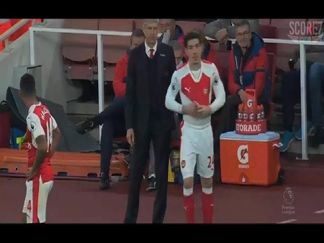 Barca cho Bellerin mười ngày để quyết định tương lai ở Arsenal