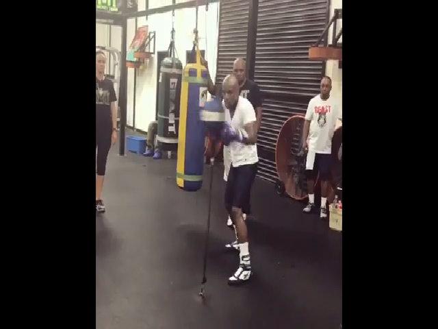 Mayweather luyện tập trước ngày thi đấu