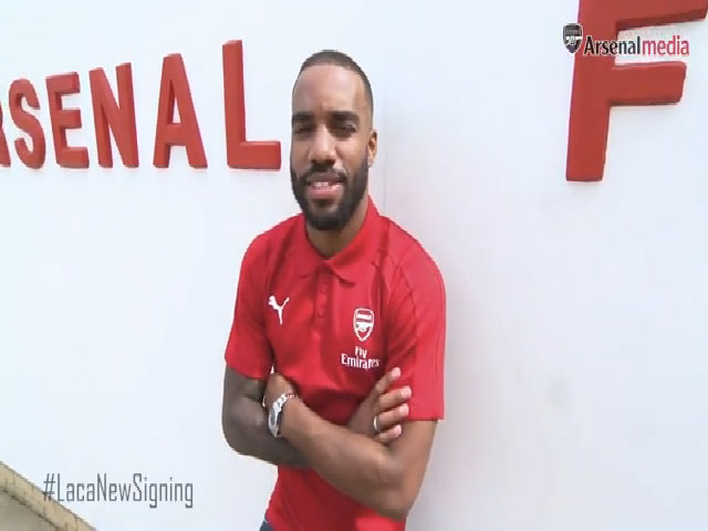 Lacazette ra mắt ở Arsenal