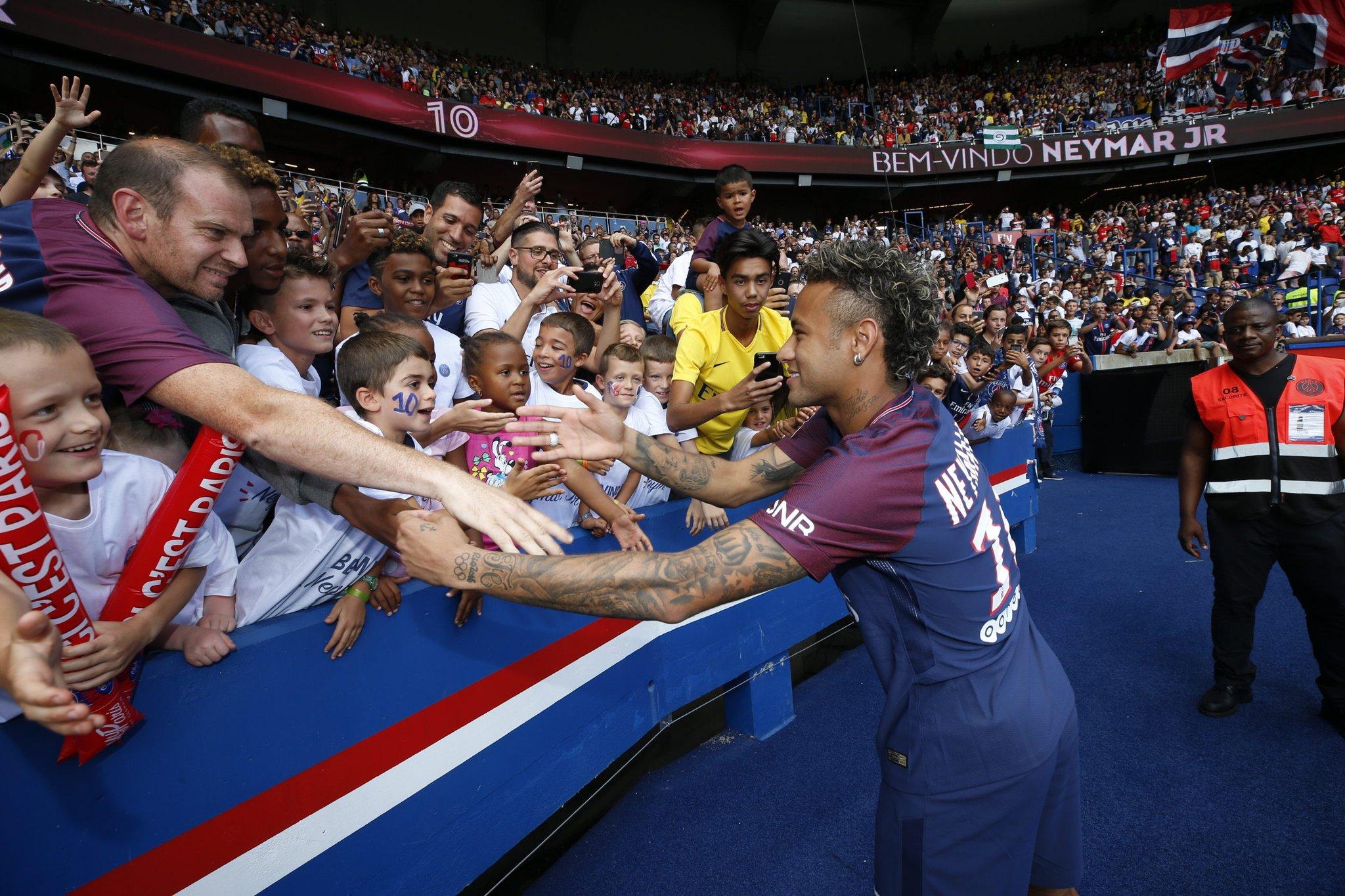 Lãnh đạo giải Ngoại hạng Anh: 'Vụ Neymar là sự kiện bất thường'
