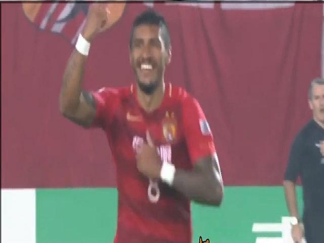 Paulinho gia nhập Barca
