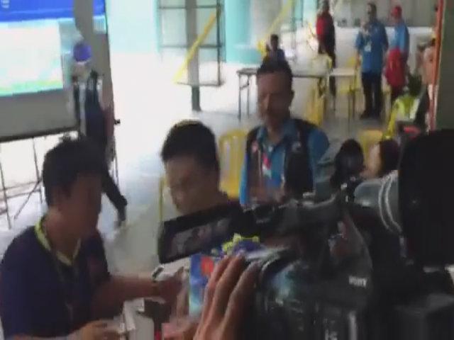 Ban huấn luyện và các thành viên tuyển bắn súng Việt Nam chia vui với Hà Minh Thành
