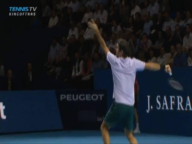Roger Federer 2-1 Adrian Mannarino