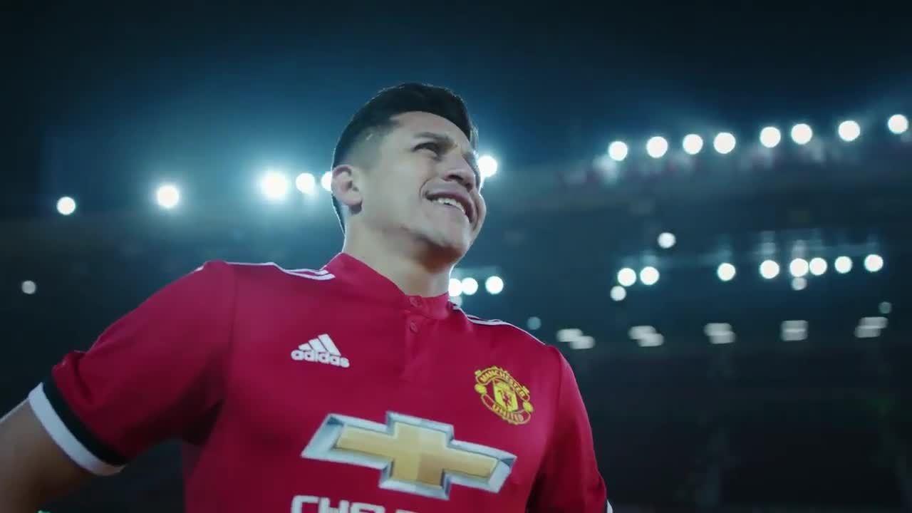 Sanchez mặc số áo 7 huyền thoại của Man Utd