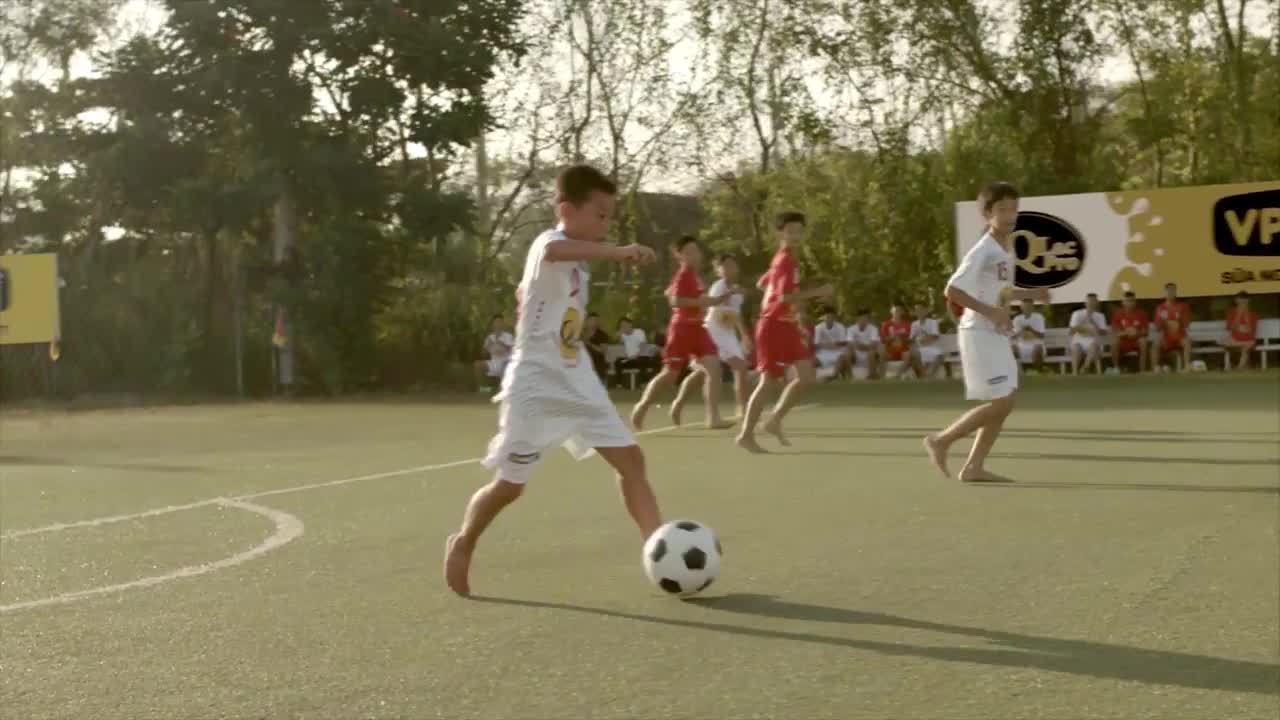 Cộng đồng chia sẻ video 'Giấc mơ lớn Việt Nam' trước trận chung kết