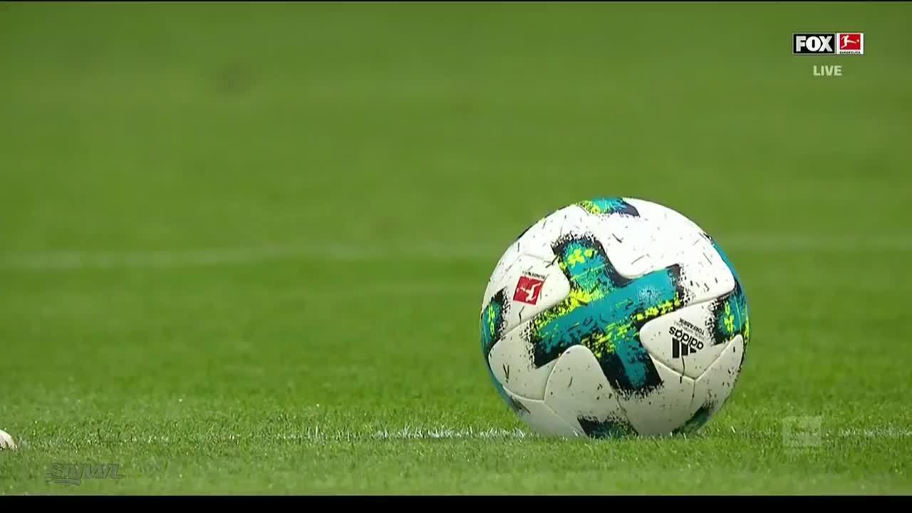Lewandowski ghi hat-trick, Bayern hủy diệt Dortmund